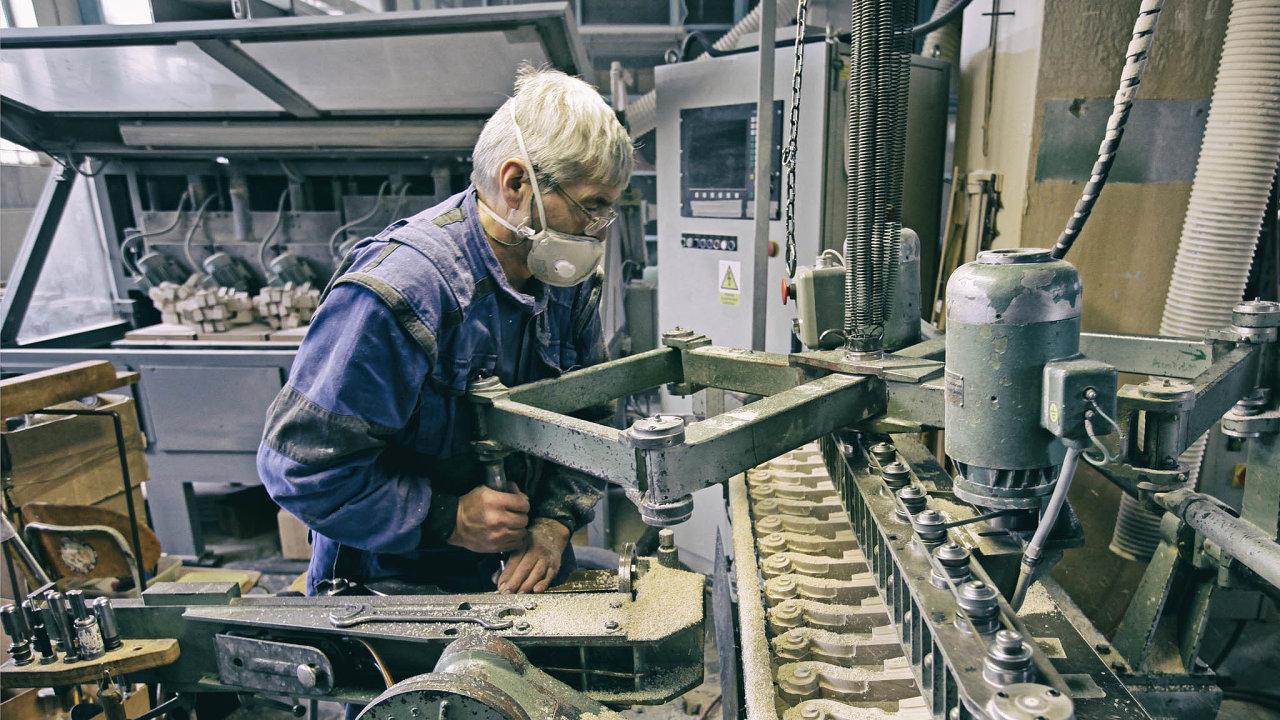 Je nutné vyzkoušet: Hlavním výrobkem Strunalu jsou housle. Ty se ale on-line prodávají špatně, hlavně ty dražší si chtějí zákazníci vyzkoušet.