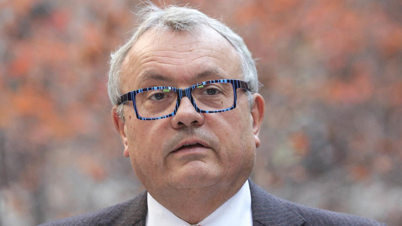 Hospodářskou komoru nadále povede Vladimír Dlouhý.