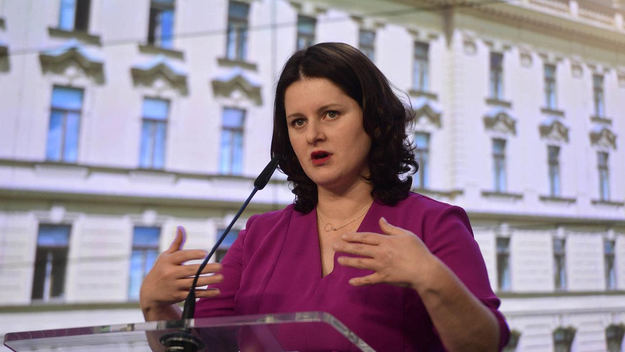 První pravidla kurzarbeitu představila ministryně práce Jana Maláčová už loni v létě. Od té doby se však několikrát změnila.