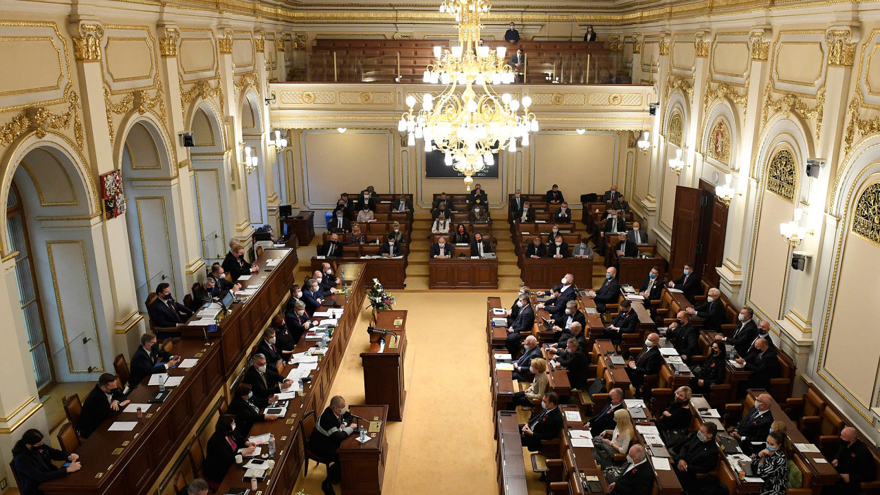 Ústavní soud zrušil necelý rok před sněmovními volbami část volebního zákona. Podle jeho nálezu zákon porušoval rovnost volebního práva a šance kandidujících subjektů.