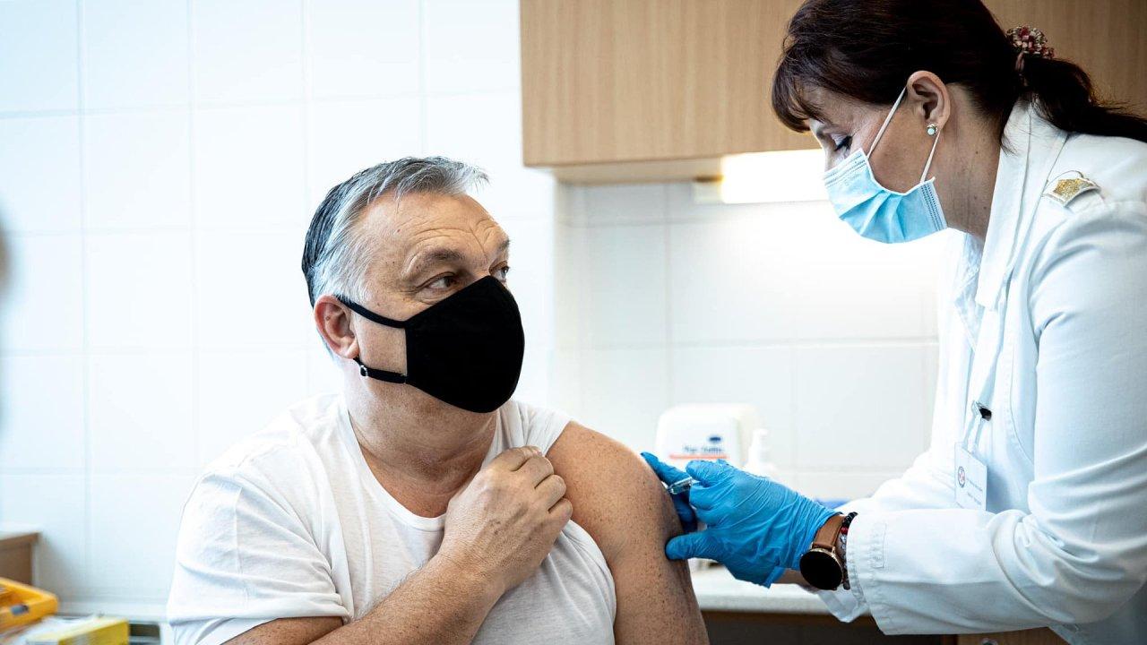 Viktor Orbán se nechává očkovat proti koronaviru
