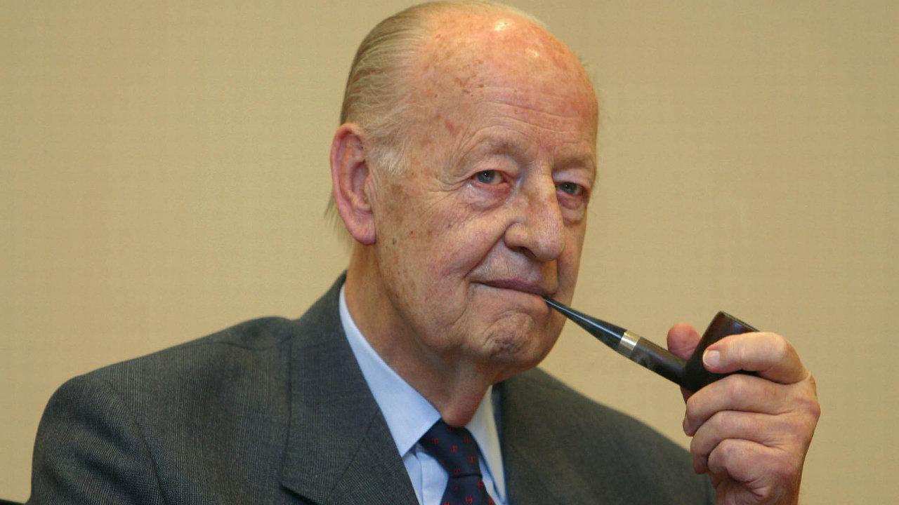 Rudolf-August Oetker, který zemřel v roce 2007, byl třikrát ženatý.