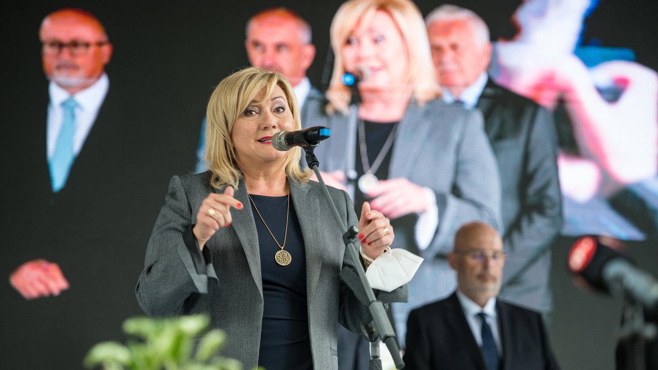 Agrosalon, Země živitelka, ministryně financí, Alena Schillerová
