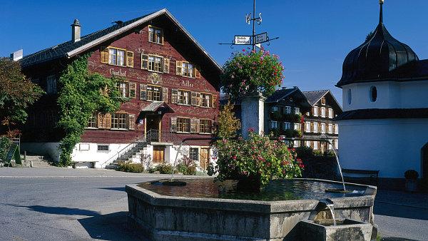 Hotel Adler v obci Schwarzenberg funguje v téměř nezměněné podobě už od poloviny 18. století.