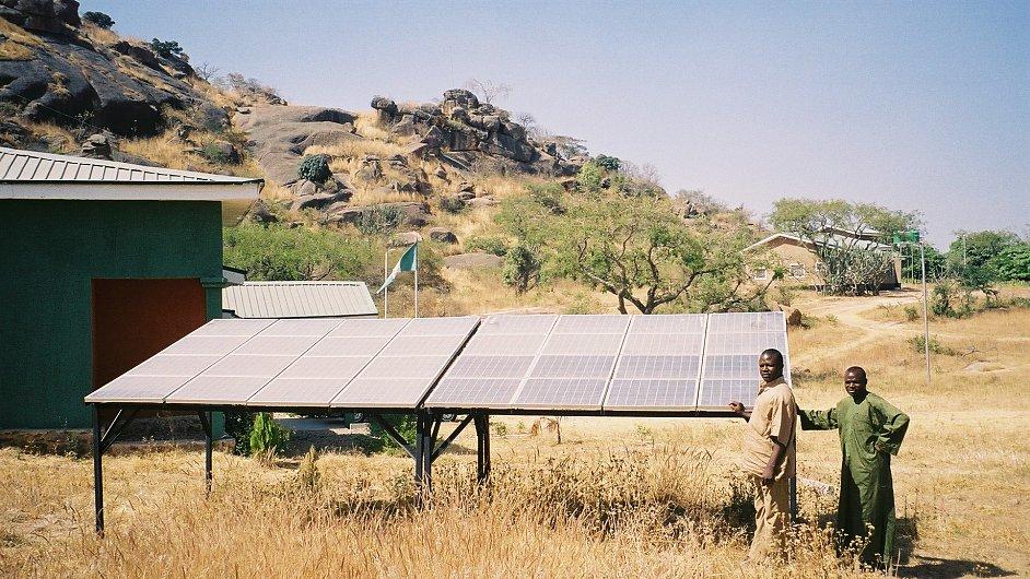 Solární panely v Africe, ilustrační foto