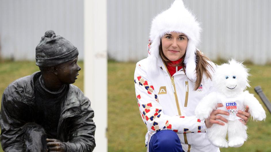 Šárka Strachová si jako první vyzvedla olympijskou kolekci.