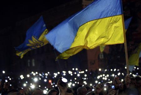 Tisíce baterek na počest mrtvých v Kyjevě