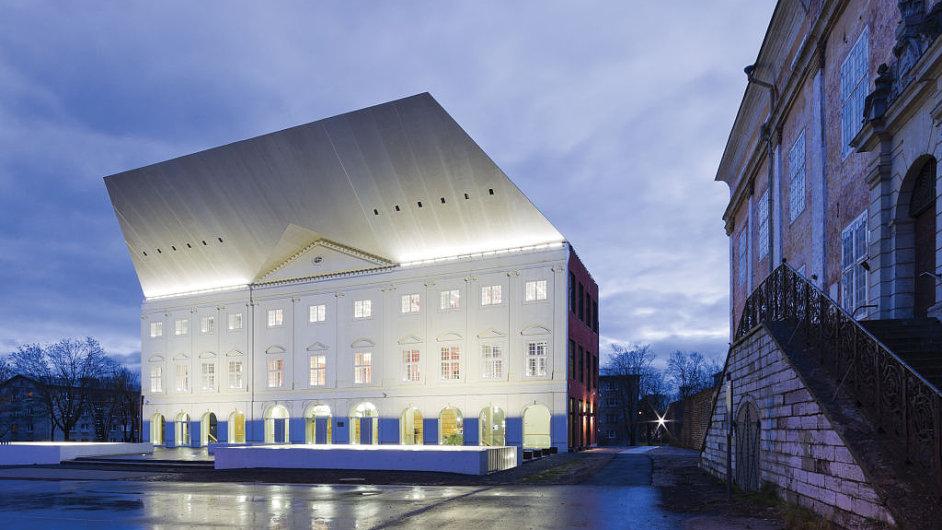 Budova univerzity v Narvě patří mezi nejznámější díla ateliéru Kavakava