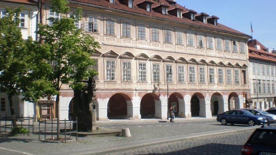 Dům U Kundraticů v blízkosti Pražského hradu