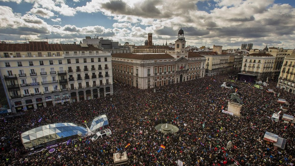 Demonstrace strany Podemos poslední lednovou sobotu