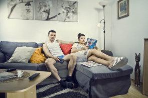 Průměrný Čech má nadváhu, kočku, čte Blesk a často se mu zdá o erotice