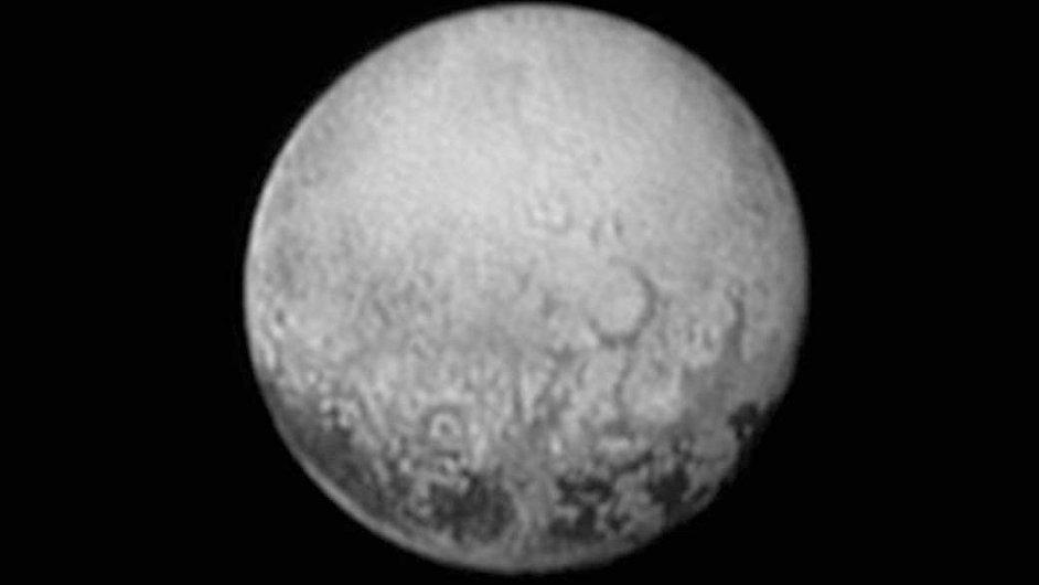 Snímek Pluta, který pořídila sonda New Horizons (poskytla NASA).