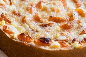Oranžové orgie. Jak si upéct rychlý a křehký meruňkový koláč s tvarohem