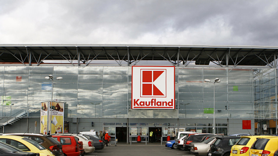 Za poklesem zisku Kauflandu stojí podle mluvčí řetězce Renaty Maierl kromě snížení obratu růst personálních nákladů a investic do modernizace a expanze