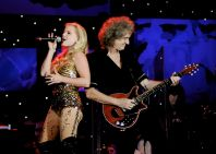 Na snímku Brian May & Kerry Ellis.