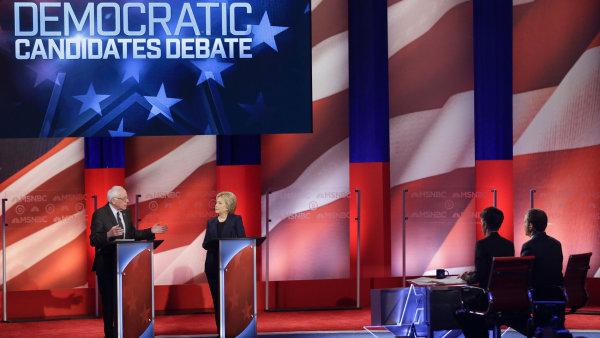 Clintonová a Sanders se tvrdě střetli v předvolební debatě.
