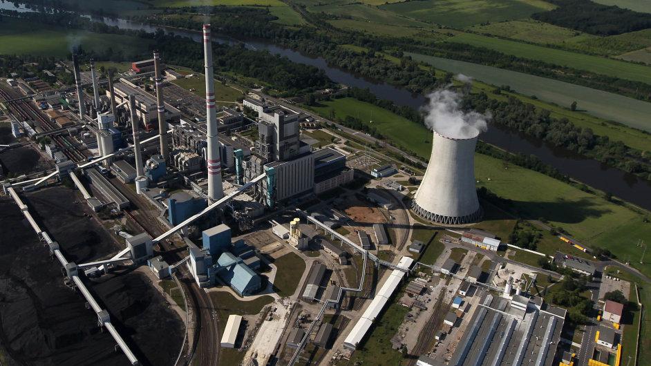 Elektrárny společnosti ČEZ (na snímku Mělník) stále dokážou vydělávat. Někteří její konkurenti jsou na tom při současných cenách elektřiny mnohem hůř.
