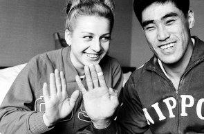 Gymnastka, občanka, držitelka japonského řádu. Čáslavská se stala legendou nejen díky olympiádám