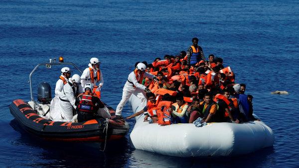 Hranice Evropské unie loni překročilo nejméně lidí za pět let, uvedla agentura Frontex. Většina uprchlíků stále přichází ze Sýrie