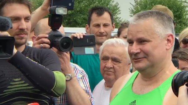Kysela se vrátil k nedávno udělené kontroverzní milosti Jiřímu Kajínkovi.