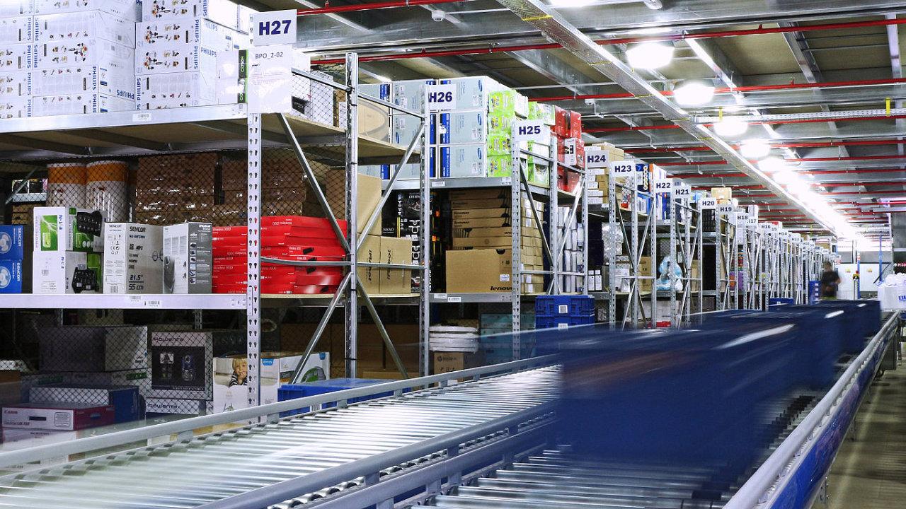 Logistika společnosti Alza se připravuje na nápor 120 tisíc objednávek denně.