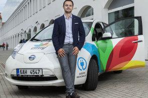 Přibližujeme elektromobilitu firmám i běžným lidem, říká Karel Němec, manažer carsharingu Emuj