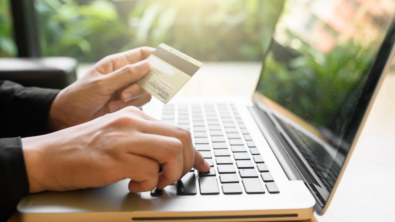 Nejvyšší růst zaznamenal v rámci maloobchodních tržeb internetový prodej - Ilustrační foto.