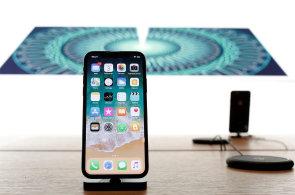 iPhone X se blíží k dokonalosti, téměř každý jeho prvek patří ke světové špičce. Zaujme hlavně displej a vysoký výkon