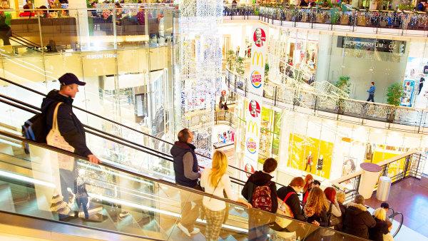 Češi jsou s tuzemskou ekonomikou spokojení. 49 procent z dotázaných ji označuje za dobrou.