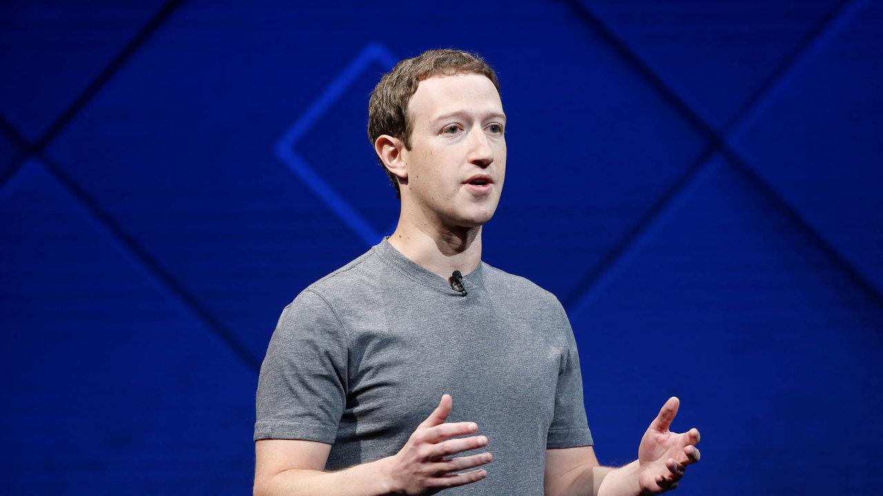 Zakladatel a výkonný ředitel firmy Mark Zuckerberg.