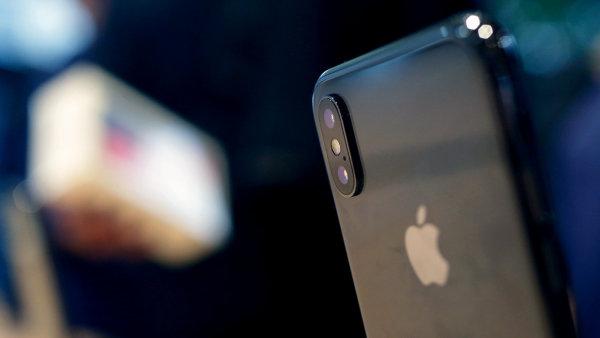 iPhone X byl podle Cooka nejprodávanějším modelem firmy v každém týdnu minulého čtvrtletí.