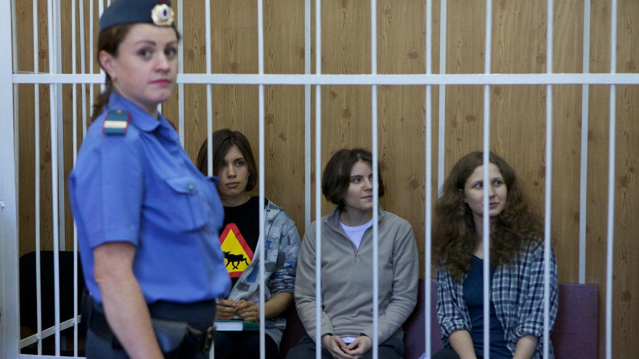 Souzené členky skupiny Pussy Riot