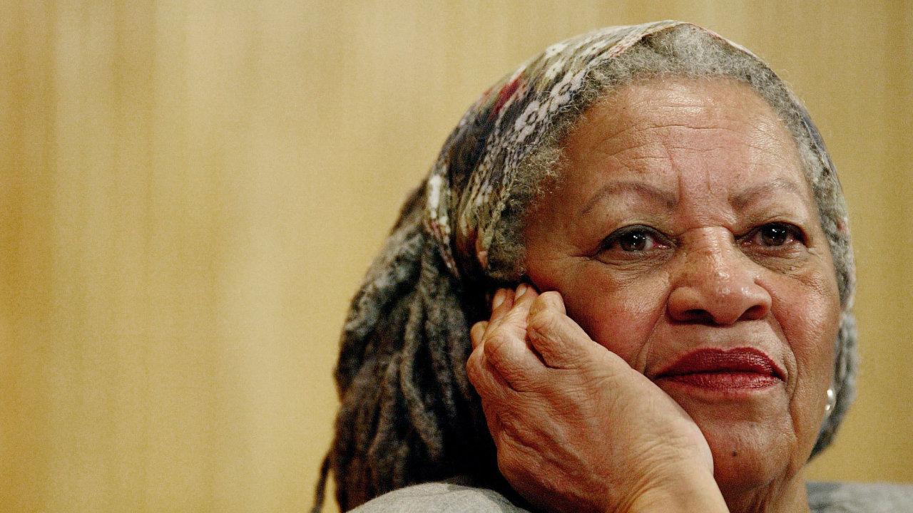 Zemřela nositelka Nobelovy ceny za literaturu Toni Morrisonová.