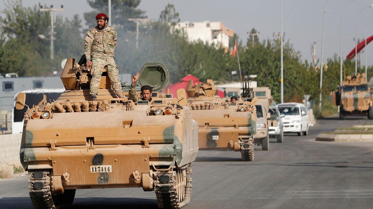 Kurdové povolali syrskou armádu: Asadova vojska mají obsadit většinu Kurdy kontrolovaných měst. Turci by pak neměli postupovat dál doSýrie.