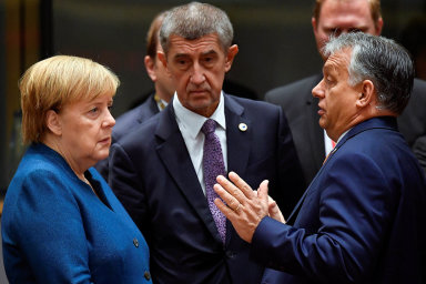 Ohledně postoje k ekonomickému plánu EU přestala existovat jednota států visegrádské čtyřky – Slovensko a Polsko ho, na rozdíl od Česka a Maďarska, přivítaly.