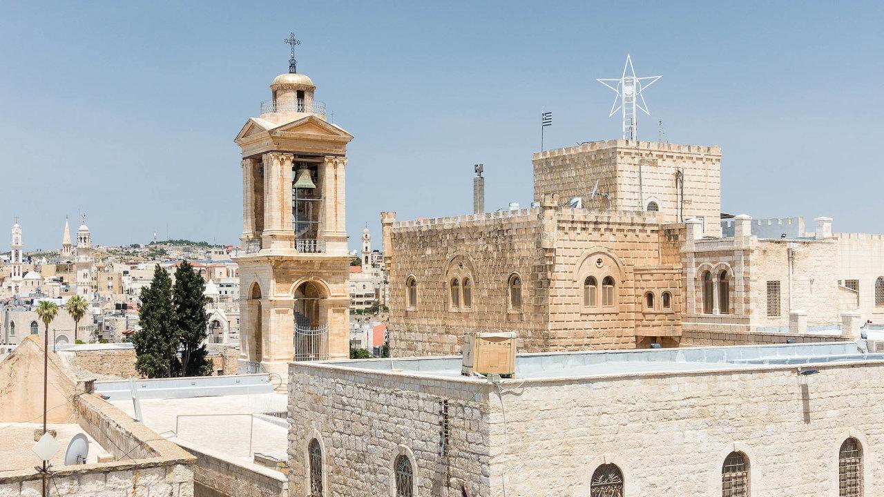 Chrám narození páně stojí v Betlémě na místě, kde se měl narodit Ježíš.