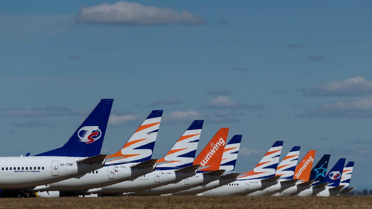 Vicepremiér Karel Havlíček uvedl, že vláda uvažuje ovstupu doněkolika podniků důležitých pro chod státu. Jako příklad takové firmy uvedl společnost Smartwings, pod níž spadají České aerolinie.