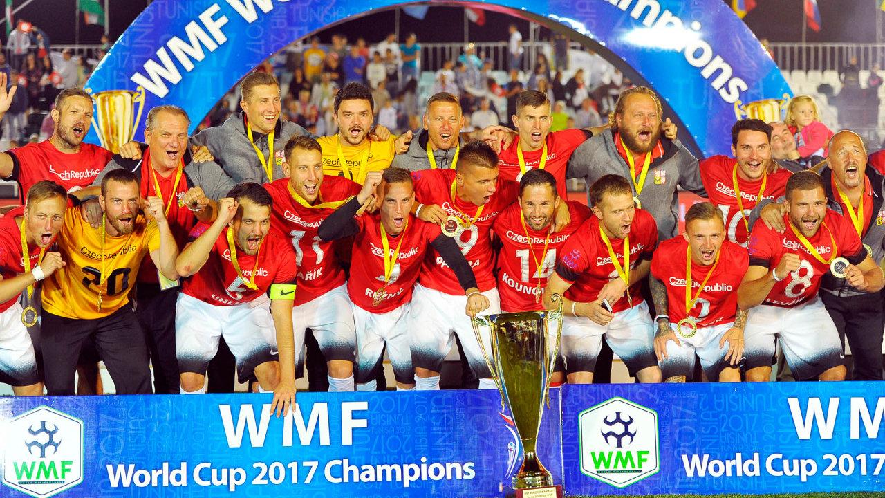 Mistři světa.V roce 2017 v Nabeulu vyhráli čeští reprezentanti v malém fotbalu nejvyšší světovou soutěž.