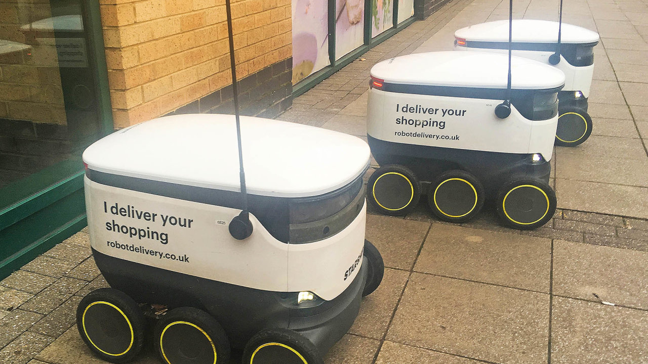 Vbritském Milton Keynes zkoušejí doručování pomocí autonomních vozíků.