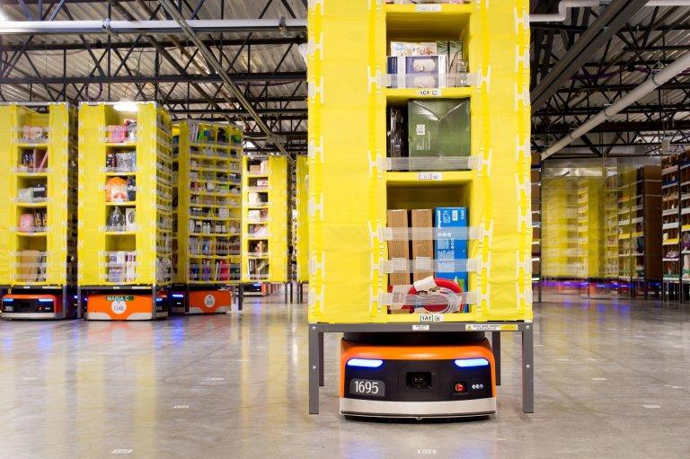 Mobilní automatizace: autonomní mobilní roboti (AMR), automaticky řízené vozíky (AGV)