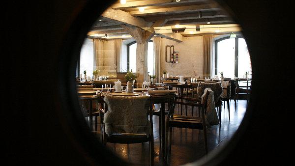 Interiér kodaňské restauraci Noma odpovídá severskému pojetí kuchyně.
