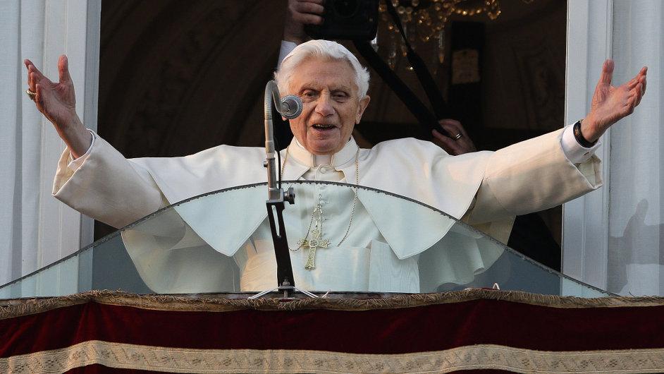 Benedikt XVI. se loučí s věřícími