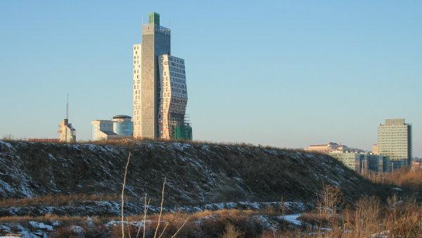 Jižní centrum: džungle, nad kterou ční AZ Tower, nejvyšší budova Česka.