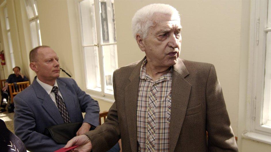 Milan Michel byl jedním z obžalovaných agentů StB, který měl poslat štrasburskému prefektovi balíček s bombou.  V roce 2010 zemřel, v roce 2013 NS potvrdil zastavení stíhání.