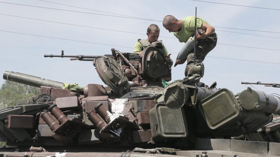 Ukrajinští vojáci ve Slavjansku
