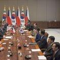 V Ji�n� Koreji jednali Bohuslav Sobotka a Dan �ok p�edev��m o hospod��sk� spolupr�ci