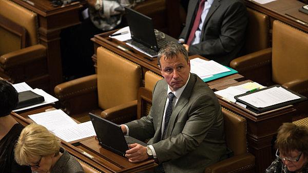 Mimořádné jednání mediálního výboru sněmovny svolal jeho předseda Martin Komárek z hnutí ANO.
