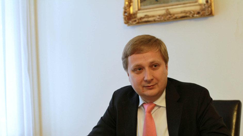 Generální ředitel záložny Moravský peněžní ústav Radomír Lapčík.