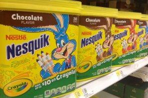 Nesquik prý není až tak skvělý začátek dne: Nestlé muselo z kakaového nápoje stáhnout známý slogan