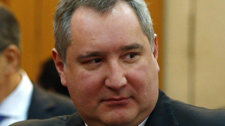 Ruský viceprezident Dmitrij Rogozin navštívil severní pól.